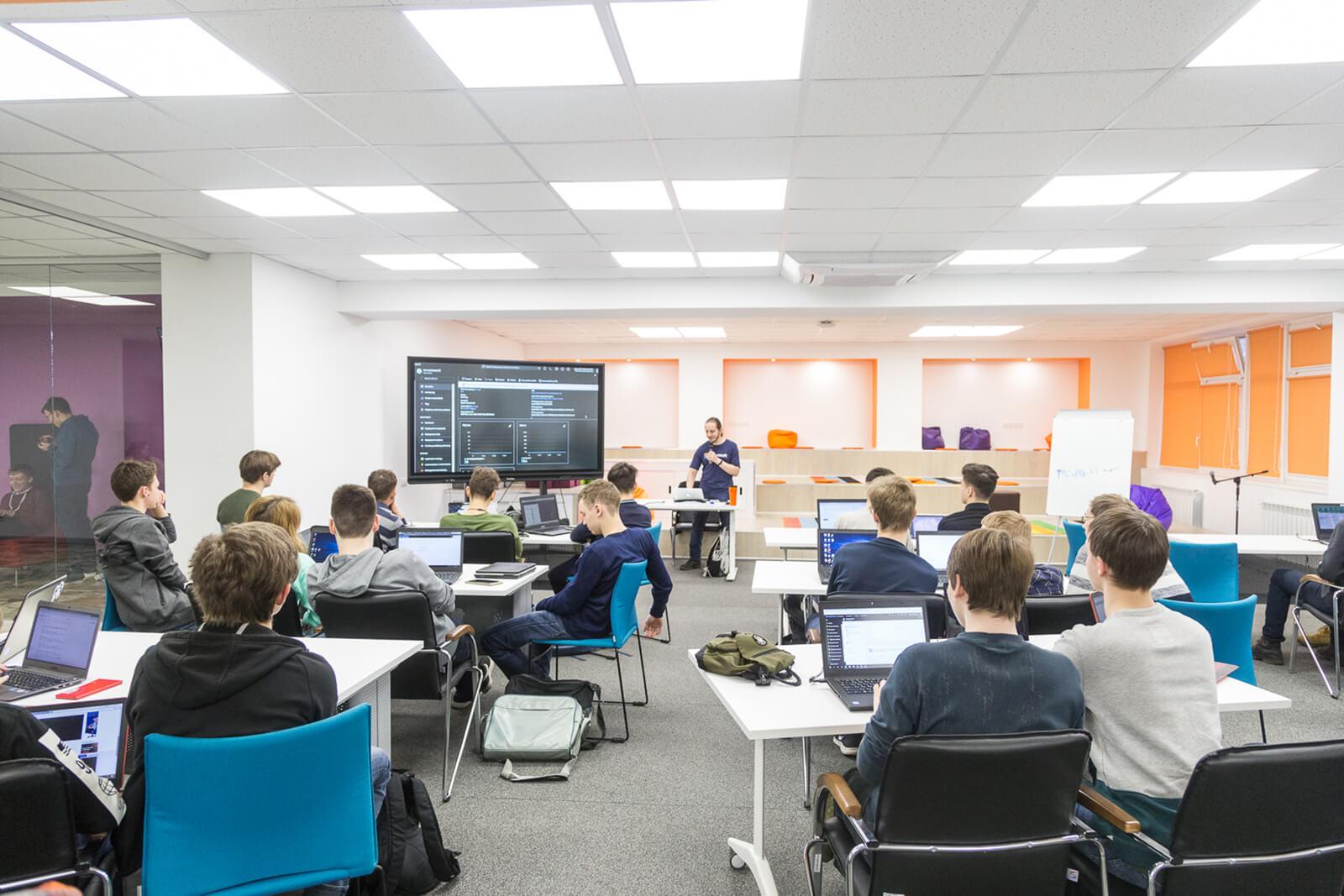 Московская электронная школа