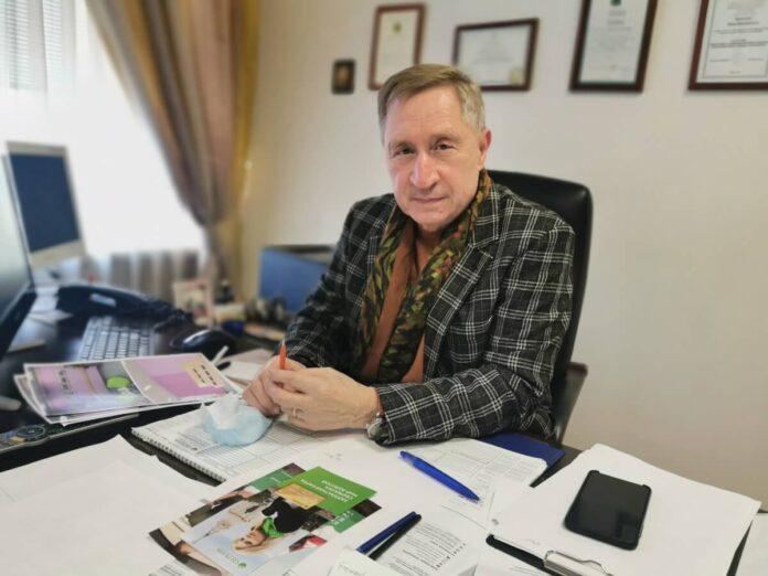 Директор Первого Московского образовательного комплекса Юрий Дмитриевич Мироненко